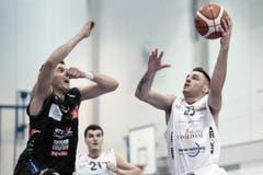 Nikola Stevanovic von Swiss Central (rechts) erzielte 7 Punkte. (Bild: Pius Amrein)