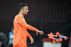 St.Galler Torhüter Dejan Stojanovic muss das Spielfeld aufgrund einer Verletzung verlassen. (Bild: Freshfocus)