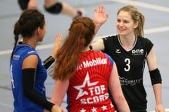 Luzerns Jasmin Bieri (rechts) freut sich nach einem Punkt. (Bild: Philipp Schmidli)