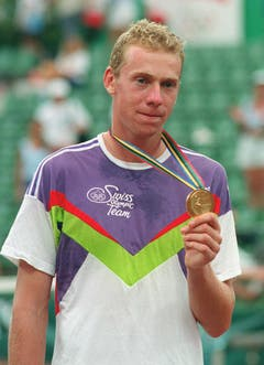 Marco Rosset, Gold im Tennis Einzel, 1992 in Barcelona, nach Sieg im Final gegen Jordi Arese (7:6, 6:4, 3:6, 4:6, 8:6). (Bild: Keystone / Str)