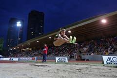 Lauma Griva gewinnt mit 6,58 Meter die Weitsprung-Konkurrenz. (Bild: Philipp Schmidli / Neue LZ)