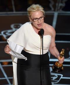 Patricia Arquette gewinnt den Oscar in der Kategorie beste Nebendarstellerin («Boyhood») (Bild: Keystone / John Shearer)