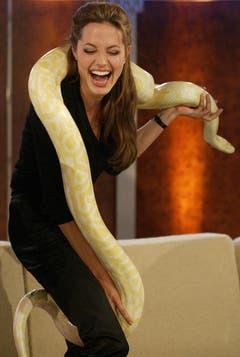 """2004 hatte die Schauspielerin einen tierischen Auftritt bei """"Wetten, dass...?"""" (Bild: Keystone)"""