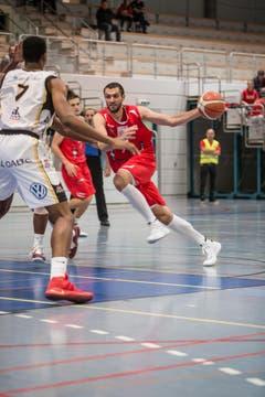 Am Ball: Topscorer Veselin Veselinov (Bild: Manuela Jans- Koch)