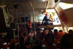 Aufnahme aus dem Innern eines Rettungsboots der Costa Concordia. (Bild: Keystone / EPA)