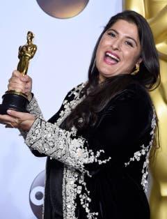 """Der pakistanischen Regisseurin Sharmeen Obaid-Chinoy haben wir den besten Dokumentar-Kurzfilm zu verdanken: """"A Girl in the River: The Price of Forgiveness"""". (Bild: Keystone/EPA/Paul Buck)"""