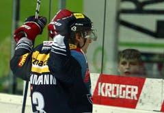 Klotens Stürmer Simon Bodenmann jubelt nach seinem Treffer zom 1:1-Ausgleich.