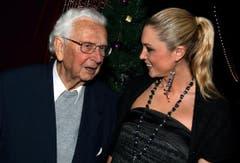 Walter Roderer mit Jennifer Ann Gerber an der Premiere des Zirkus Salto Natale 2009. (Bild: Archiv Neue LZ)