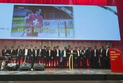 Das Nationalteam selbst wurde mit dem «Hockey Award» für «ausserordentliche Leistungen auf internationaler Ebene» geehrt. (Bild: Keystone)