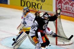 2:1 für Lugano: Maxime Lapierre jubelt. (Bild: Samuel Golay / Keystone)