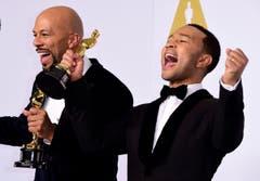 Der beste Filmsong ist nun «Glory» aus dem Film «Selma». Bild v.l.: Common und John Legend. (Bild: Keystone / Paul Buck)