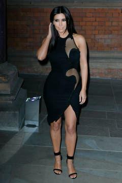 Ganz in Schwarz: Kim Kardashian in London. (Bild: Keystone)
