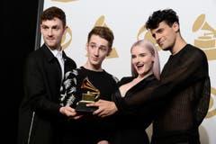 Clean Bandit mit dem Award Best Dance Recording. (Bild: Keystone)