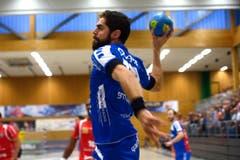 Filip Gavranovic vom HC Kriens-Luzern beim Abschlussversuch. (Bild: Nadia Schärli / Neue LZ)