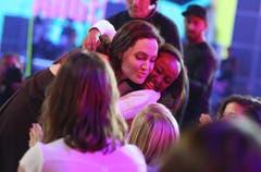 """Im März 2015 wurde Angelina Jolie an den Kids' Choice Awards als beste Bösewichtin im Film """"Maleficent"""" ausgezeichnet. (Bild: Keystone)"""