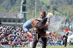 Matthias Glarner (rechts) gegen Jakob Niederberger im 4. Gang. (Bild: Keystone / Urs Flüeler)