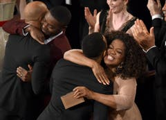 Keine Gala ohne US-Talkmasterin Oprah Winfrey (mit David Oyelowo). (Bild: Keystone / John Shearer)