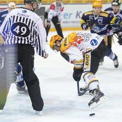 Lugano-Topskorer Brett McLean beim Bully. (Bild: Keystone)