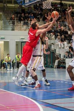 Schneller als die Spieler von Lugano: SCB-Topscorer Veselin Veselinov. (Bild: Manuela Jans- Koch)