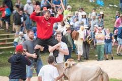 Sven Schurtenberger feiert zurückhaltend seinen Sieg. (Bild: URS FLUEELER)
