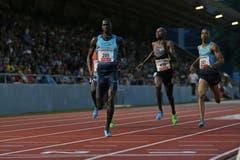 Charles Jock gewinnt das 800m Rennen der Männer. (Bild: Philipp Schmidli / Neue LZ)