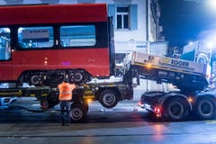 Appenzeller Bahnen laden neues Rollmaterial in St.Gallen ab. (Bild: Michel Canonica)