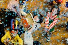 27. Februar: Das Konfettimonster ist los. Kinderfasnacht in der Dreispitzhalle Kreuzlingen. (Bild: Donato Caspari)