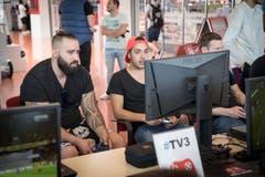 St. Gallen Winkeln - Fifa-SM-Qualifiaktion im Mediamarkt St.Gallen Fussball Gamer im Einsatz (Bild: Ralph Ribi)