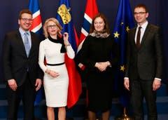 Jackie-Kennedy-Stil für das EWR-Ministertreffen in Brüssel im November 2017. (Bild: EPA/OLIVIER HOSLET)