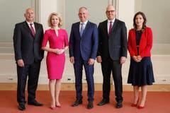 Ganz in Pink für die Vereidigung als Regierungsrätin in Vaduz im März 2017. (Bild: Keystone/IKR/Brigitt & Eddy Risch)