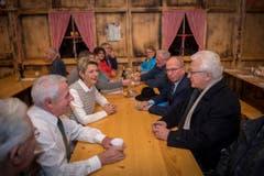 Karin Keller-Sutter, Fredy Fässler und Bischof Markus Büchel vereint an einem Tisch. (Bild: Urs Bucher)
