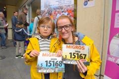 Sarah Kasper mit Henrik, Stadt Luzern, Startnummer 15 167, zum 41. Stadtlauf: «Wir freuen uns riesig auf den Familienlauf. Ein Kompliment an die Organisatoren; der Anlass erfreut sich grosser Beliebtheit, sicher auch, weil jede Person teilnehmen kann.» (Bild: LZ)