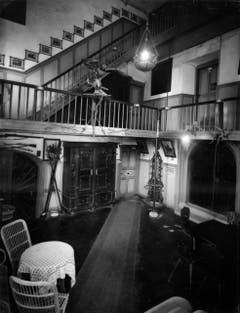 Innenraum des Schlosses um 1928: oben Türe zum Büro, unten Mitte Türe zum Restaurant, das Olga Bürchler während drei Jahren führte. (Bild: (Bürgerarchiv Weinfelden))