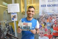 Pedro Carvalho Cardoso, Rüediswil, Startnummer 6855, zum 41. Stadtlauf: «Es wäre schön, wenn ich in der Spitzengruppe das Rennen abschliessen könnte. Laufsport ist mein Leben und bedeutet mir einfach alles. Und Luzern ist immer eine Reise wert.» (Bild: LZ)