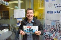 Simon Hofstetter, Luzern, Startnummer 6867, zum 41. Stadtlauf: «Ich starte bereits zum 41. Mal am Lauf und will diese Serie Jahr für Jahr fortsetzen. Der Stadtlauf ist einfach ein Muss für mich.» (Bild: LZ)