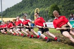 Das Frauen-Team des Seilziehclub Sins. Bild: Manuela Jans-Koch (Stans, 19. Mai 2018)