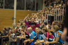 Patrizia Ramseier feuert das Publikum an. | Bild: Dominik Wunderli (Nottwil, 22. Mai 2018)