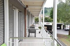 27 von 36 Zimmern haben Balkone oder Sitzplätze. (Bild: Timon Kobelt)