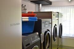 In der Waschküche sind neue Maschinen installiert worden. (Bild: Timon Kobelt)