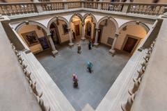 Ein Blick in den Innenhof des Regierungsgebäudes. Bild: Roger Grütter