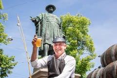 Der Fuhrmann (vor dem Vadian-Denkmal) und... (Bild: Hanspeter Schiess)