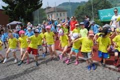 Regionaler Kinderspieltag in Buochs. Einturnern ist wichtig. (Bild: Rosmarie Berlinger (Buochs, 26. Mai 2018))