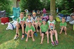 Die Kinder der Jugi Bütschwil hatten einen kurzen Anfahrtsweg hinter sich. Zusammen mit mehr als 500 Leichtathletinnen und Leichtathleten hatten sie bei perfekten äusseren Bedingungen ihren Spass. (Bild: Beat Lanzendorfer)