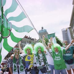 Die Berner Altstadt ist vor dem Anpfiff des Cupfinals in St.Galler Hand. (Ralph Ribi)