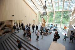 Im Eingangsbereichs prägt eine grosse Tell-Skulptur den Raum. (Bild: Urs Hanhart (Schattdorf, 31. Mai 2018))
