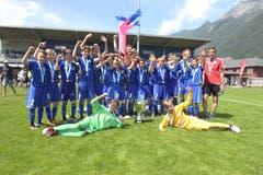 Die siegreichen D-Junioren des FC Luzern. (Bild: Michael Wyss (Brunnen, 31. Mai 2018))