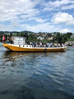 Wie jeder Jahr an Fronleichnam fand in Meggen nach dem Gottesdienst am See die eindrückliche Seeprozession auf drei uralten Nauen statt. (Bild: Margrith Imhof-Röthlin)