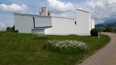 Kirche Steinhuserberg ist dem hl. Josef und Mutter Anna geweiht, Baujahr 1971. (Bild: Hanny Wirz)