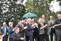 Es gibt Applaus für die Rede, unter anderem von Bütschwils Gemeindepräsident und Kantonsrat Karl Brändle.
