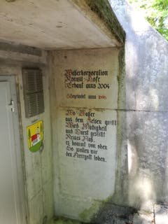 Im Wald befindet sich eine Station der Wasserkorporation Ronwil und Höfe. (Bild: Marlen Hämmerli)